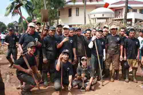 Gerakan Kemanusiaan Posko Jenggala Tanggul Situ Gintung Jebol 2009